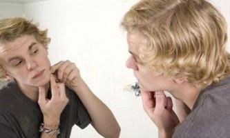 Що означають прищі на обличчі?