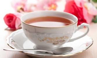 Квітковий чай для сну: користь і шкода