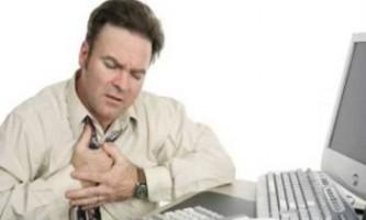 Дослідження російських кардіологів: поганий сон пов`язаний з підвищеним ризиком серцевого нападу та інсульту