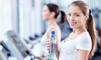 Від повертається після ліпосакції жиру можна позбутися за допомогою фітнесу